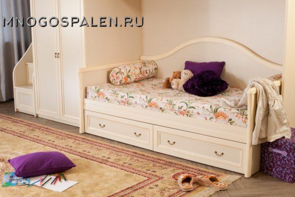 Кровать-диван  Флоренция купить в салоне-студии мебели Барселона mnogospalen.ru много спален мебель Италии классические современные